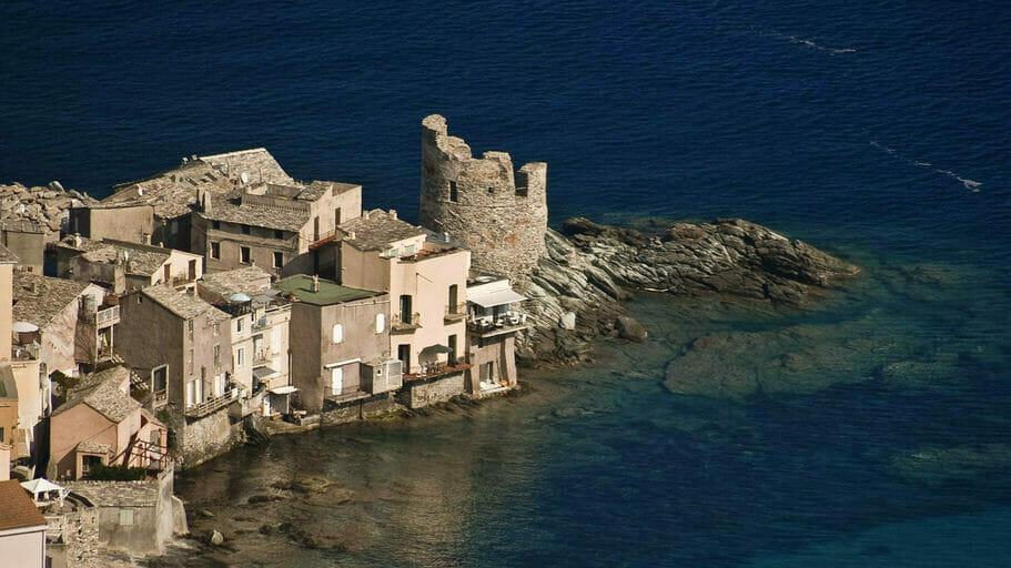 & dans le Cap Corse